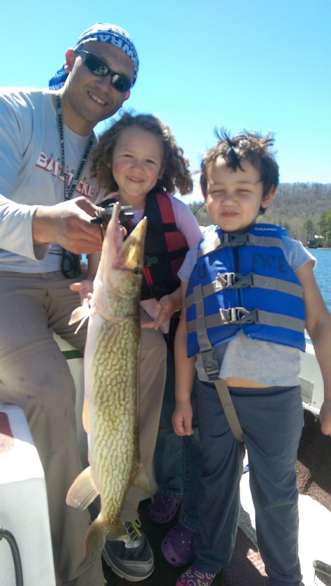 Alex and family Burton Chain Pickerel 2017